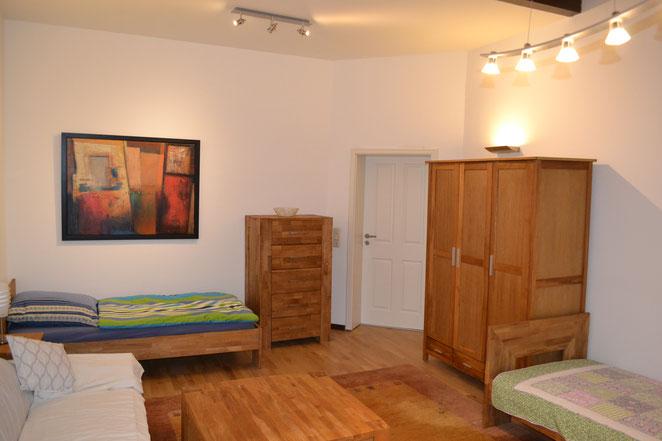 Schlafzimmer 1 - zum Flur fotografiert