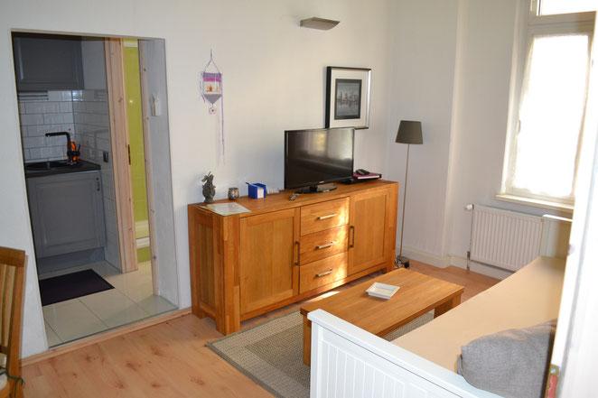Wohnzimmer - mit Übergang zur Küche