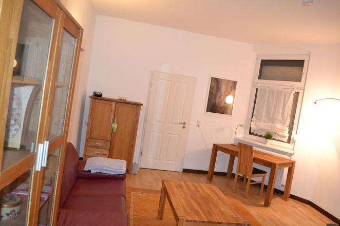 Wohnzimmer - Richtung Schlafzimmer 2 fotografiert