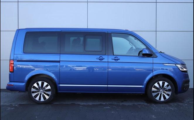 Volkswagen Multivan in blau