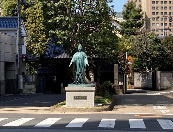 春日局銅像