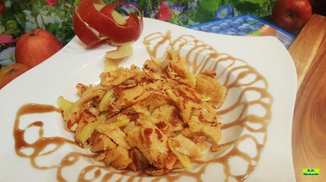 Rezeptvorschau auf selbstgemachten, fruchtigen Apfelschmarrn nach einem Kochrezept aus Dinkel-Dreams 2 von K.D. Michaelis