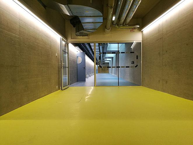 Ebene -1, Korridor, Turnsaal.