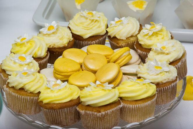 macarons-coni porta riso matrimonio-wedding dessert table-sweet table-allestimento tavolo-la spezia-liguria-www.dolcichicchediantonella.com