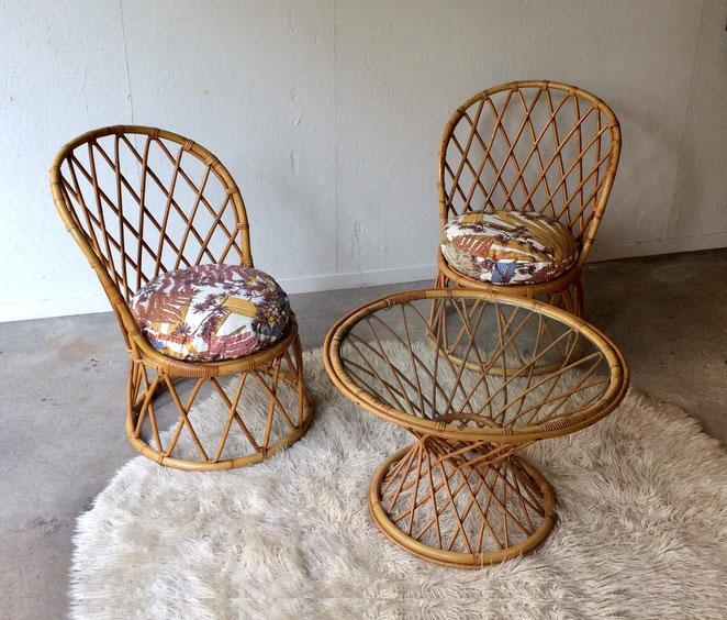 salon rotin, salon vintage, fauteuil tonneau, table rotin vintage, années 60, années 70