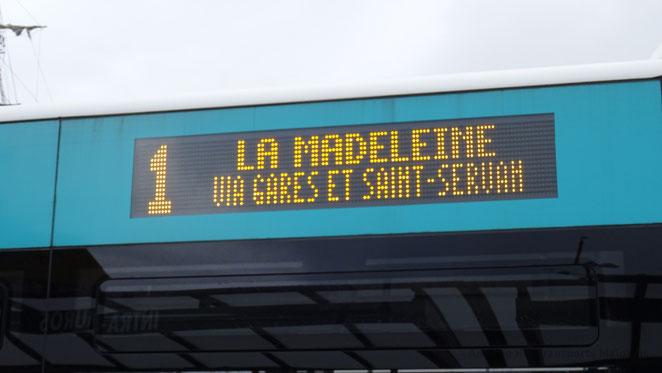 Girouette latérale d'un Mercedes O530 Citaro 2 N du réseau KSMA de Saint-Malo Agglomération reprogrammée pour afficher les principaux centres desservis par la ligne.