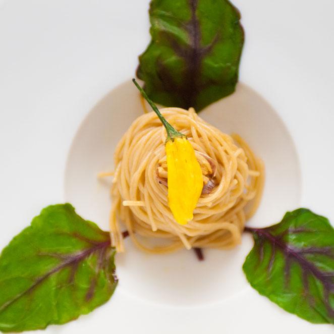 黄色いペペロンチーノ。インテグラーレ・スパゲッティーニで。。