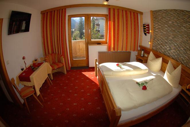Zimmer Kat.A  Dusche/WC, TV, Föhn, Safe, W-Lan