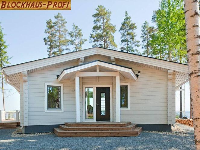 Hauseingang: So könnte das fertige Traumhaus  in massiver Blockbauweise aussehen