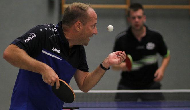Der Fokus stimmt: Holger Vortmann trug sich einmal in die Hülser Siegerliste ein.