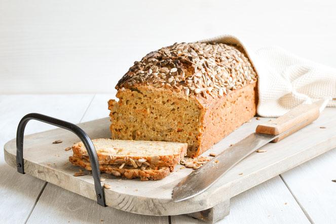 """Brot ohne Gehzeit """"schneller Fritz"""" ähnlich wie das Brot """"schneller Lutz"""" einfach und für Backanfänger geeigent, einfach Teig rühren, in die Form und 1 Stunde backen."""