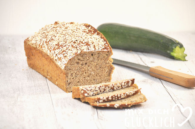 Einfaches Vollkornbrot ohne Gehzeiten mit Zucchini Zucchini Brot schneller Lutz