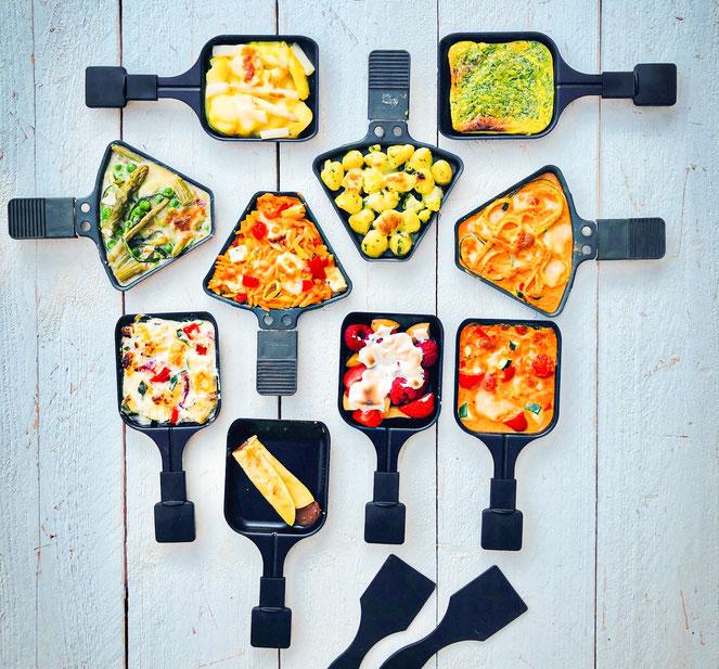 Outdoor Raclette im Frühling und Sommer mit sommerlichen Pfännchen, vegetarisch, besser als Grillen