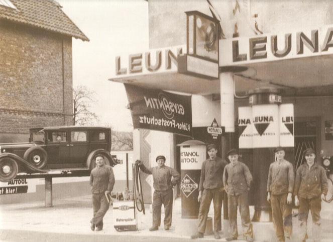 """Aus Facebook-Gruppe """"Wenn du in Blomberg aufgewachsen bist"""": Tankstelle Hache & Langemann in der Blomberger Neuen Torstraße (1936)"""