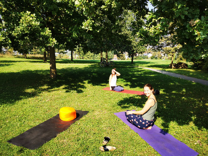 Yoga am Guntramshügel mit Ines Schilcher