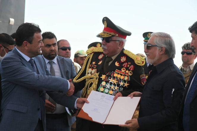 کسیکه معنای این منظره را نداند؛ از سیاست در افغانستان و جهان امروز هیچ  چیز نفهمیده است!