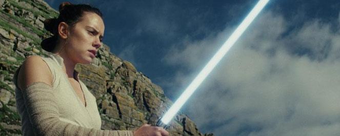 """Surtout ne vous faites pas spolier """"Star Wars VIII - Les derniers Jedi"""", un film plein de rebondissements (©LucasFilm Ltd)."""
