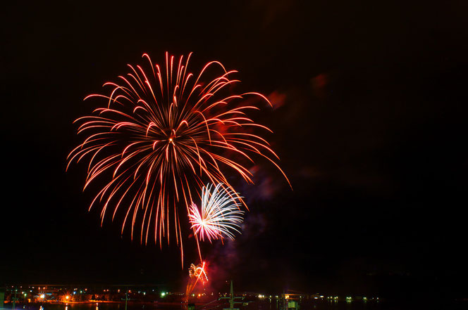 旅館水郷の鑑賞会場から見るクリスマス花火