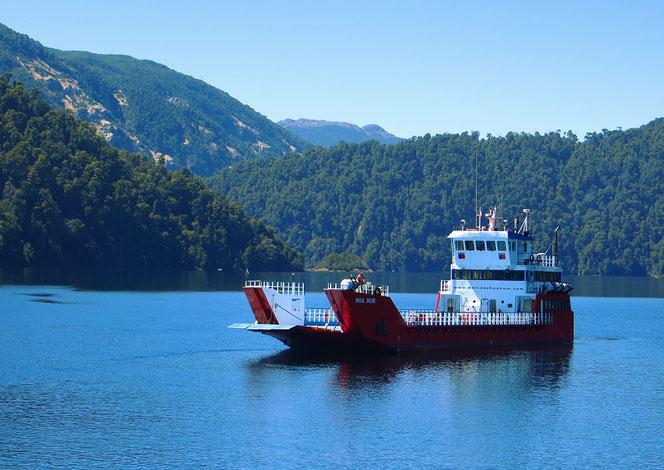 Eine der Fähren über den Lago Pirihueico.