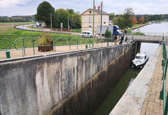 Am Canal du Rhône au Rhin. 132 Schiffsschleusen gibt es an diesem Wasserweg.