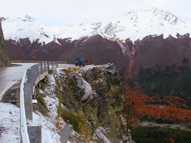 Erster Schnee am Paso Garibaldi, Zeit, dass wir nach Ushuaia kommen.