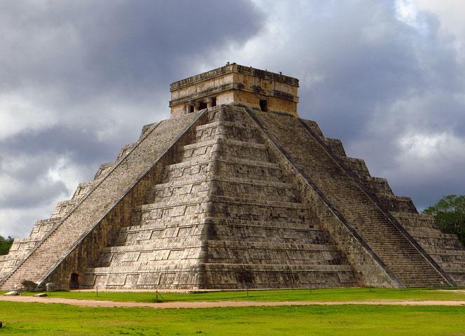 Die gut erhaltene Maya-Ruinenstadt Chichén Itzá lässt ahnen, wie imposant die Metropole vor fast 2000 Jahren gewesen sein muss.