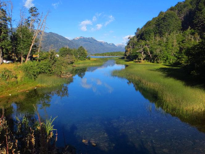 Am malerischen Lago Villarina.