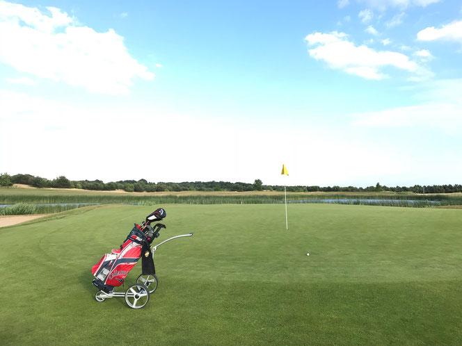 """Bild: Yorrx Pro5 Golftrolley """"ALU COOL"""" im Einsatz"""