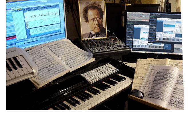 """Mein Gott Gustav ! Was aussieht wie ein Altar, ist auch einer, vor allem aber ist es mein """"Orchester""""."""