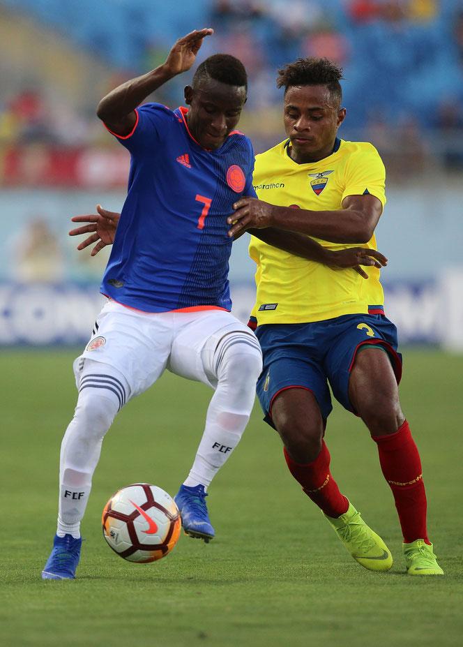 Formé comme tant d'autres à Envigado et futur joueur de Palmeiras, le créateur Ivan Angulo (à g.) est l'une des rares satisfactions, si l'on s'autorise le terme, de cette Seleccion Colombia version moins de 20 ans, clairement dans le dur