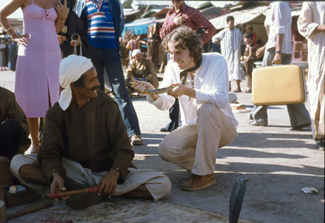 Schlangenbeschwörer am Djemaa El Fna in Marrakesch, 1980