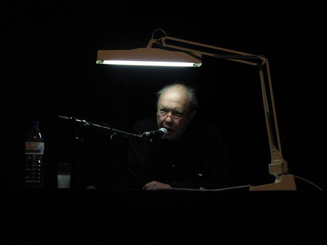 """Rolf Dennemann bei der Lesung aus """"Dmans Tagebuch-Hab ich von gehört"""""""