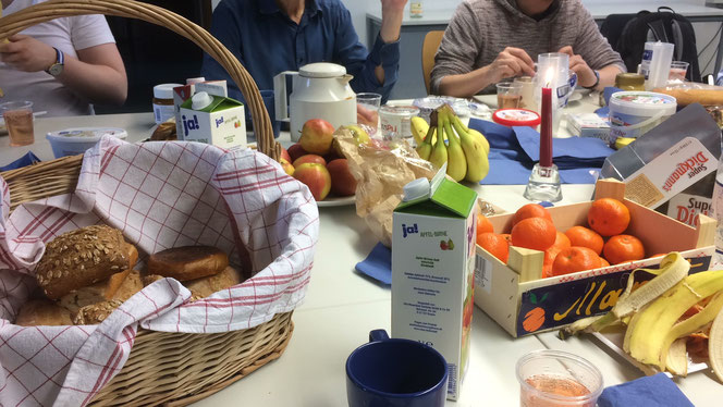 Gemeinsames Frühstück in der Sinologie