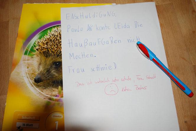 Wichtig, bei fehlenden Hausaufgaben immer die Entschuldigung vorzeigen! (Foto: Früherwisser Media)