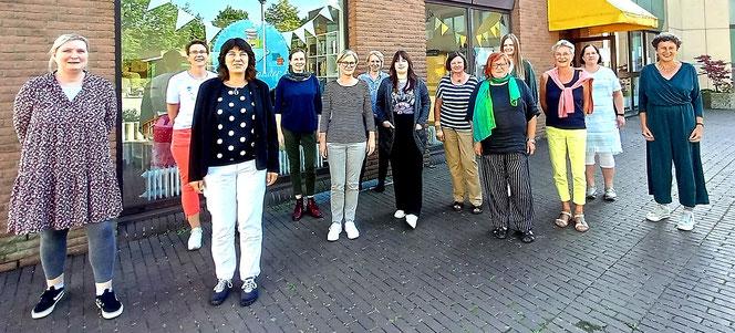 """Die Netzwerkpartnerinnen trafen sich am 07.09.2021  im Café Miteinander in Hiddenhausen zum Workshop """"Professionelle(re)s Netzwerken"""""""