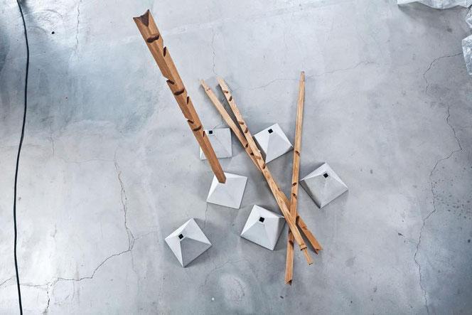 extrem minimalismus kleiderständer beton eiche minimal schlicht purismus puristisch holz sinsheim kaufen ablage wohnraum design