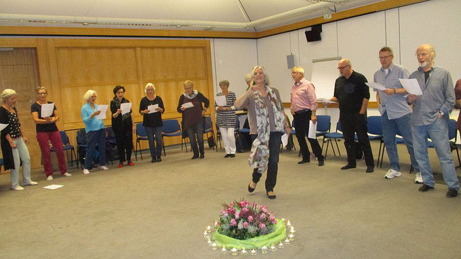 Gesang und Bewegung sind fester Bestandteil der TAIKI-Veranstaltungen