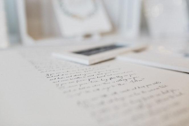 Calligraphie Carole Paillé - Crédit photo Emilie Massal