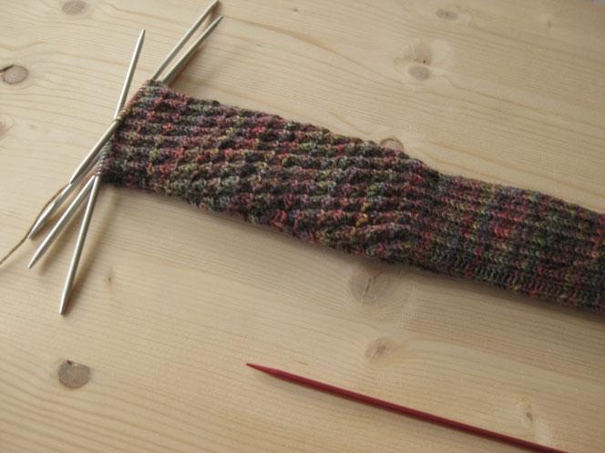 copyright www.birthe.eu Birthe Sülwald diagonale Socke
