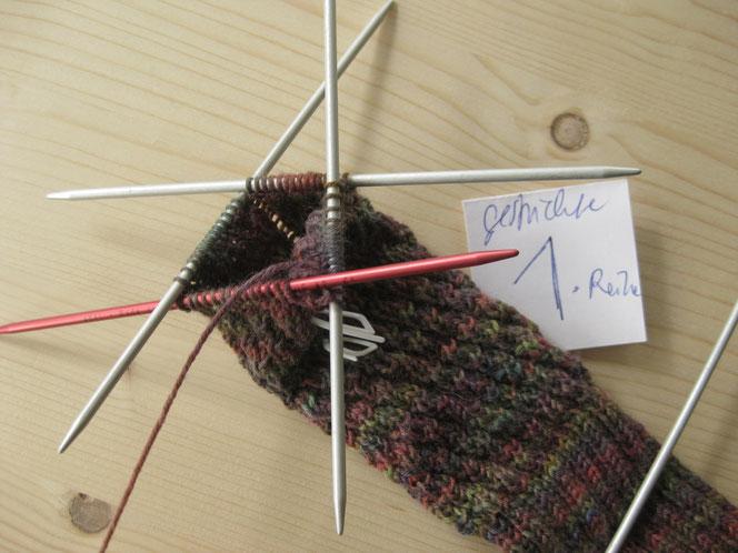 copyright www.birthe.eu Birthe Sülwald diagonale Socke 1. Runde
