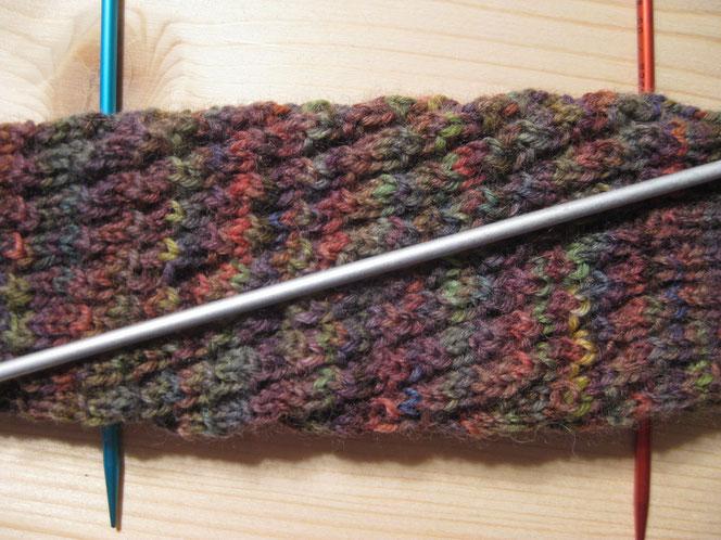copyright www.birthe.eu Birthe Sülwald diagonale Socke über 4 REihen