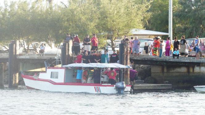 De visboot komt aan en is binnen het half uur volledig uitverkocht!