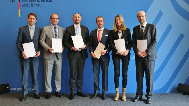Foto (Salzlandkreis, Dirk Helbig) vom Termin im Bundesinnenministerium von links: