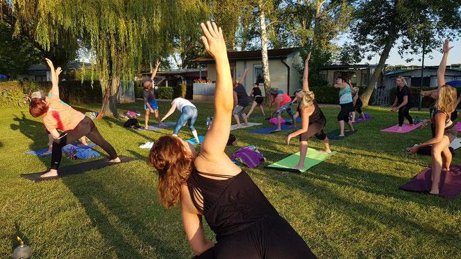Foto: bbglive.de / Yoga mit Josephine Rausch am Löderburger See