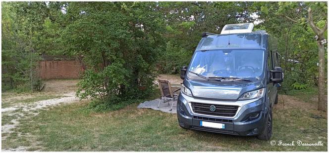 © virees en camping car Luberon