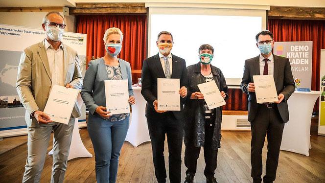 Der Startschuss des Beteiligungsprojekts »Vorpommern besser machen« (Foto: Staatskanzlei Mecklenburg-Vorpommern)