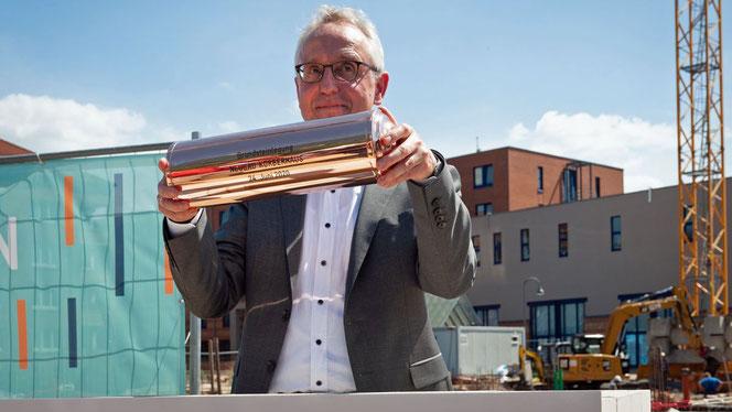 Lothar Dittmer, Vorstandsvorsitzender der Körber-Stiftung, bei der Grundsteinlegung (Foto: Nicole Keller)