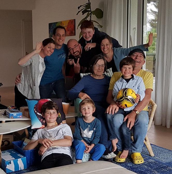 Ganze Familie - Aufnahme vom 7. Juni 2020