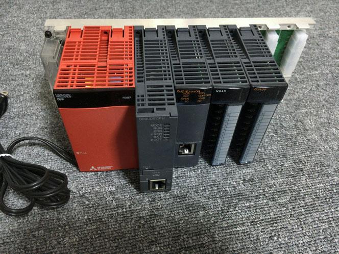 制御用コンピュータ「PLC(プログラマブルロジックコントローラ)」