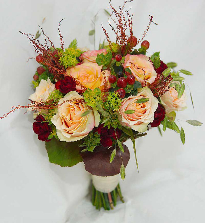 Wedding bouquet vintage style for autumn wedding